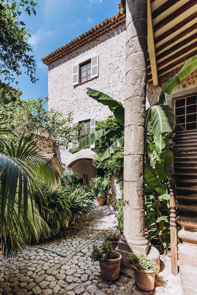 avenue-soller-valley-exterior-garden-2
