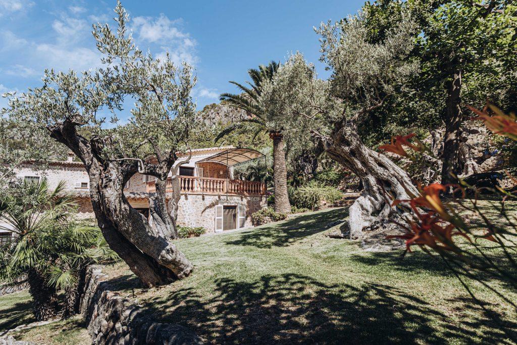 avenue-soller-valley-exterior-garden