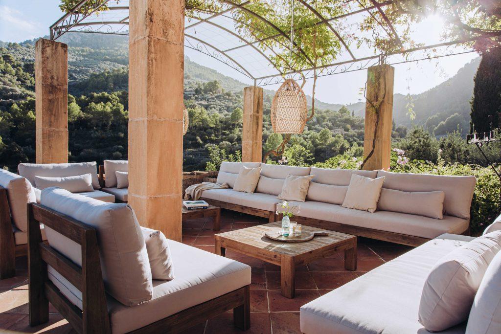 avenue-soller-valley-outdoor-seating