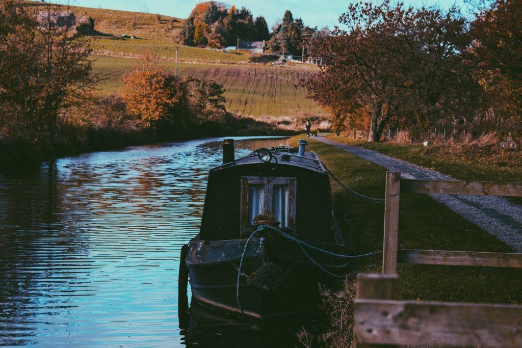 england-canal-boat-jpg-jpg-3
