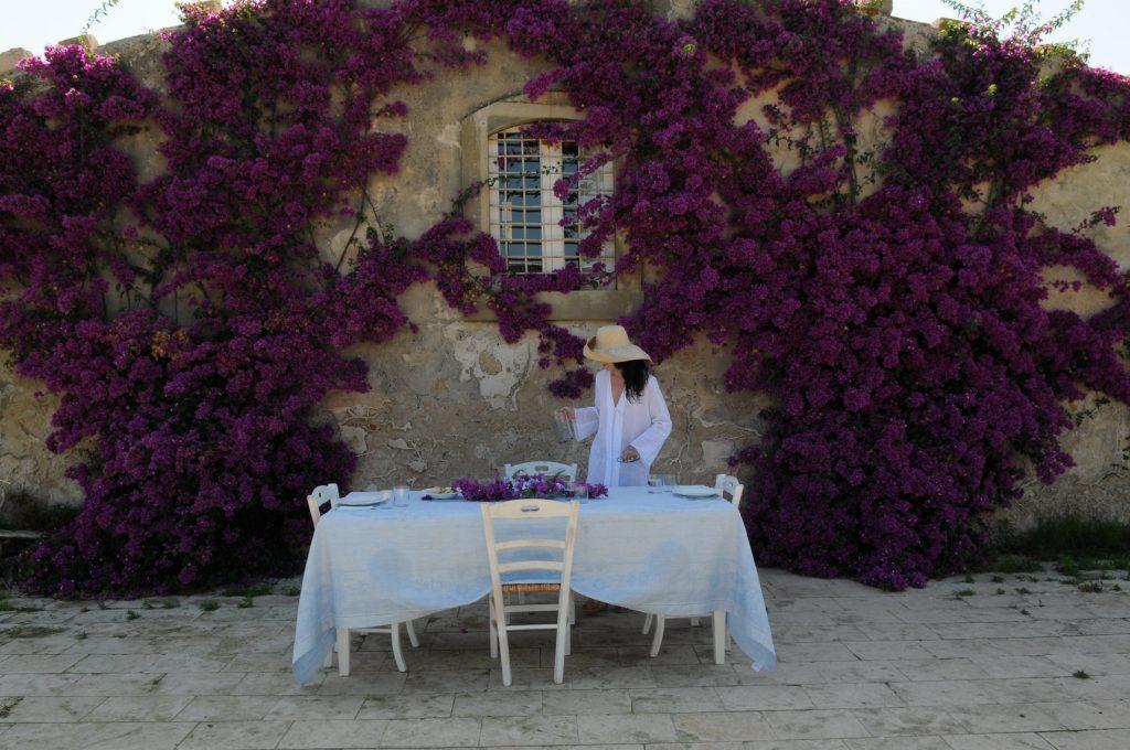 luxury-villa-sicily-italy-outside-dine-jpg-jpg-2