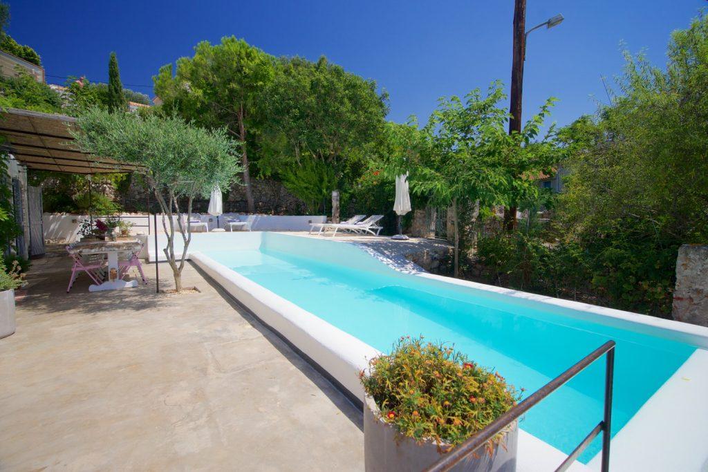 avenue-orchard-cottages-pool-jpg-jpg