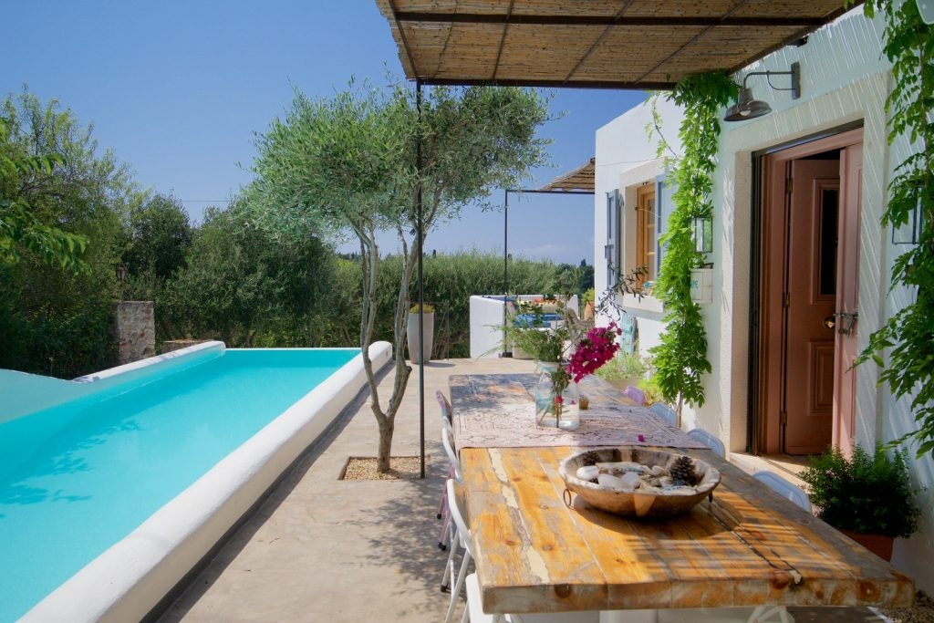 avenue-orchard-cottages-table-and-pool-jpg-jpg