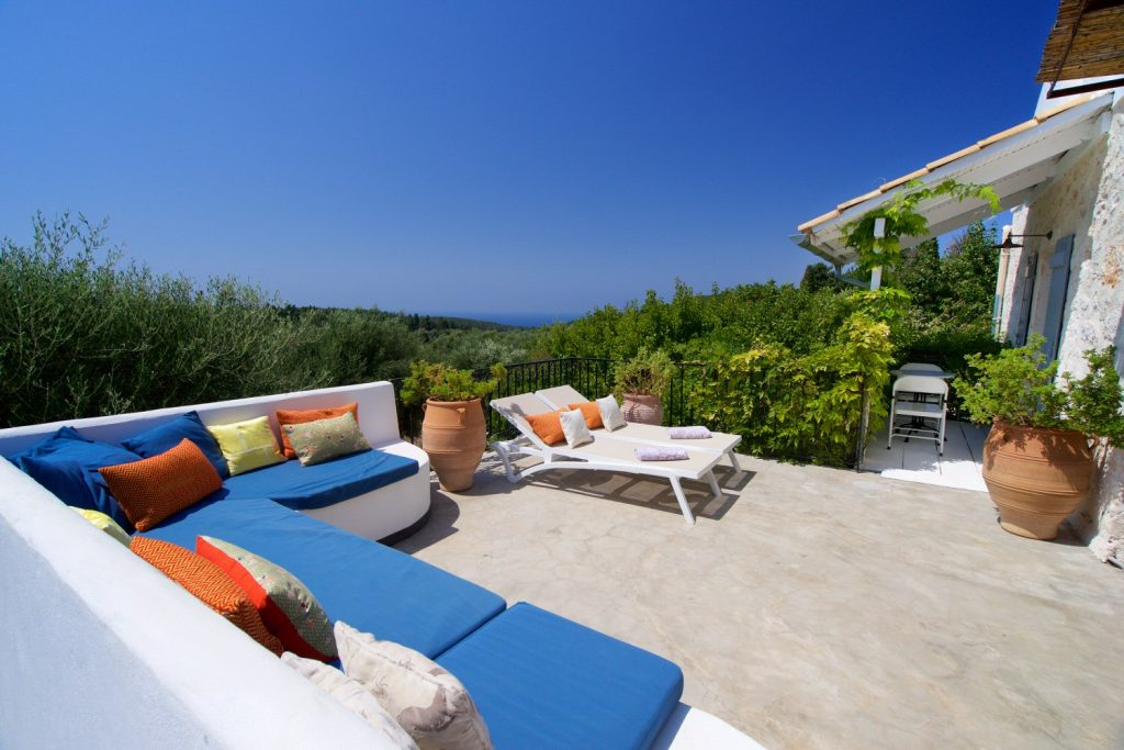 avenue-orchard-cottages-sun-loungers-jpg-jpg