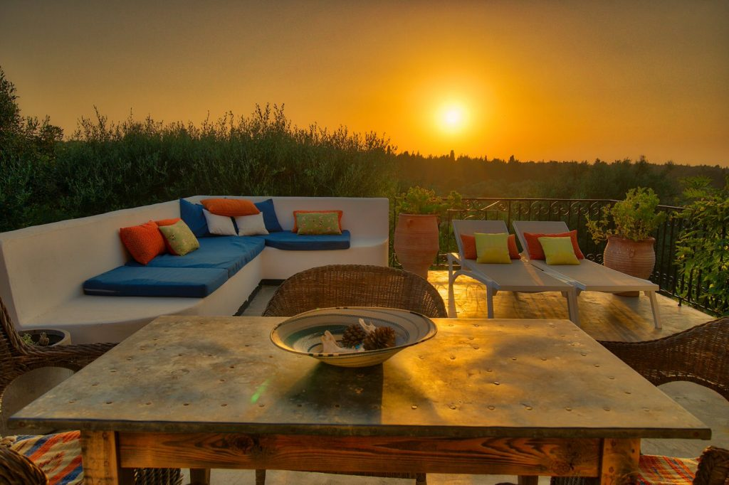 avenue-orchard-cottages-nightime-terrace-jpg-jpg