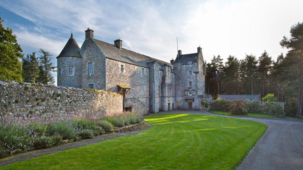 avenue-ferniehirst-castle-exterior-front-jpg-jpg