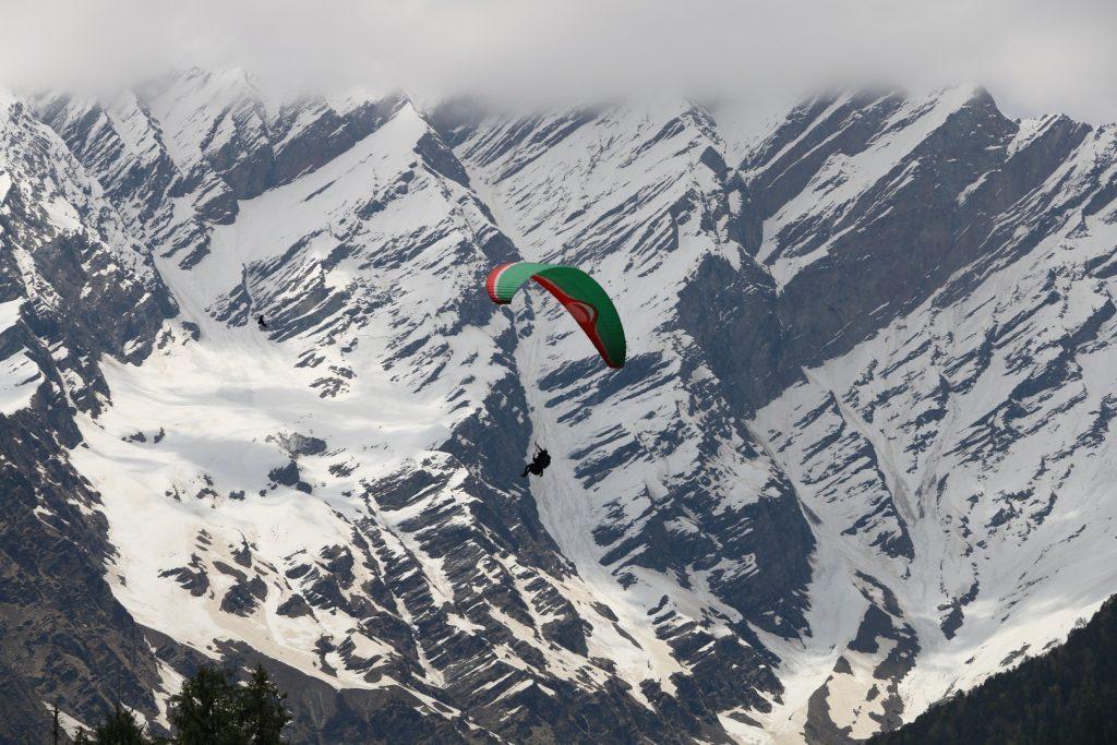 paragliding-things-to-do-jpg-jpg