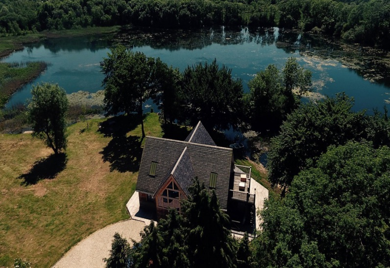 beautiful-house-lake-house-main-3-jpg-jpg-3