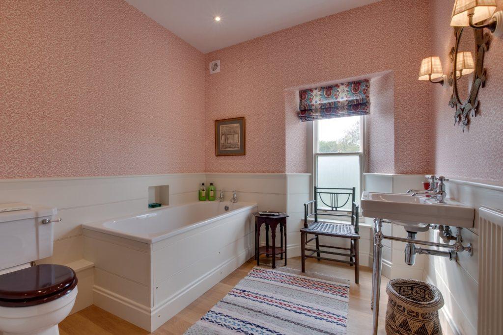 ds952-bathroom-2-view-2-jpg-jpg-3