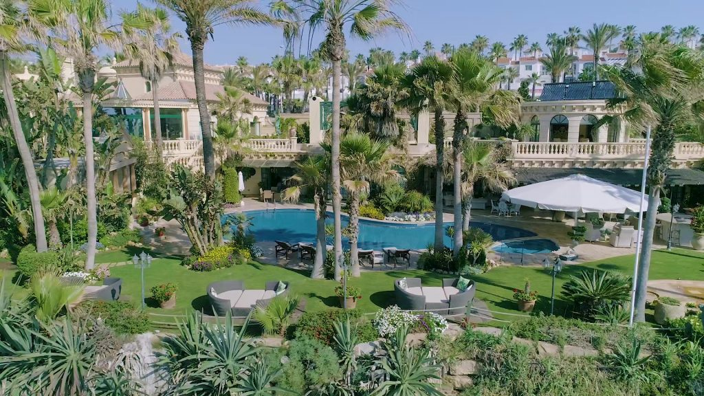 pool-gardens-2-884162235201360b3208d28e31-jpg