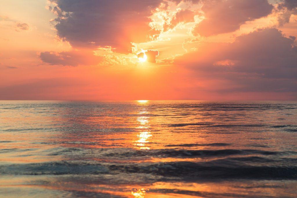 sunset-things-to-do162235679760b3333ddd1a6-jpg
