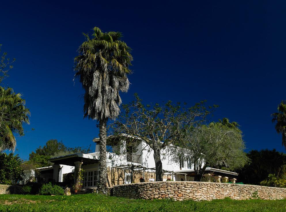 house-at-a-distance162235680560b333454ddc3-jpg