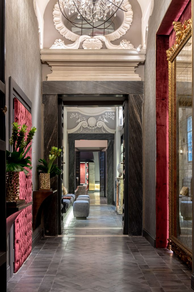 luxury-town-house-rome-interior-11162236641760b358d1184a3-jpg