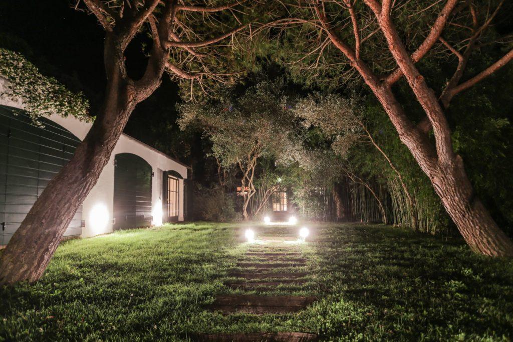 tuscuny-night-garden162236951360b364e932034-jpg