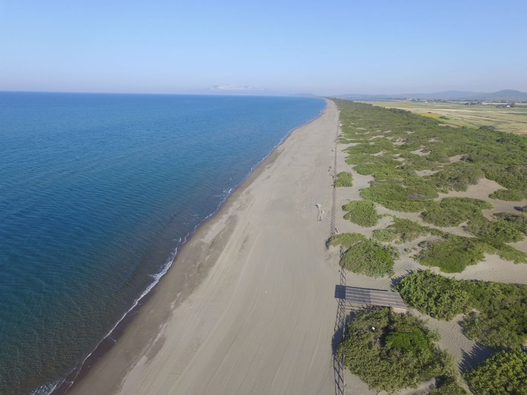 tuscuny-beach162237004360b366fb260df-jpg