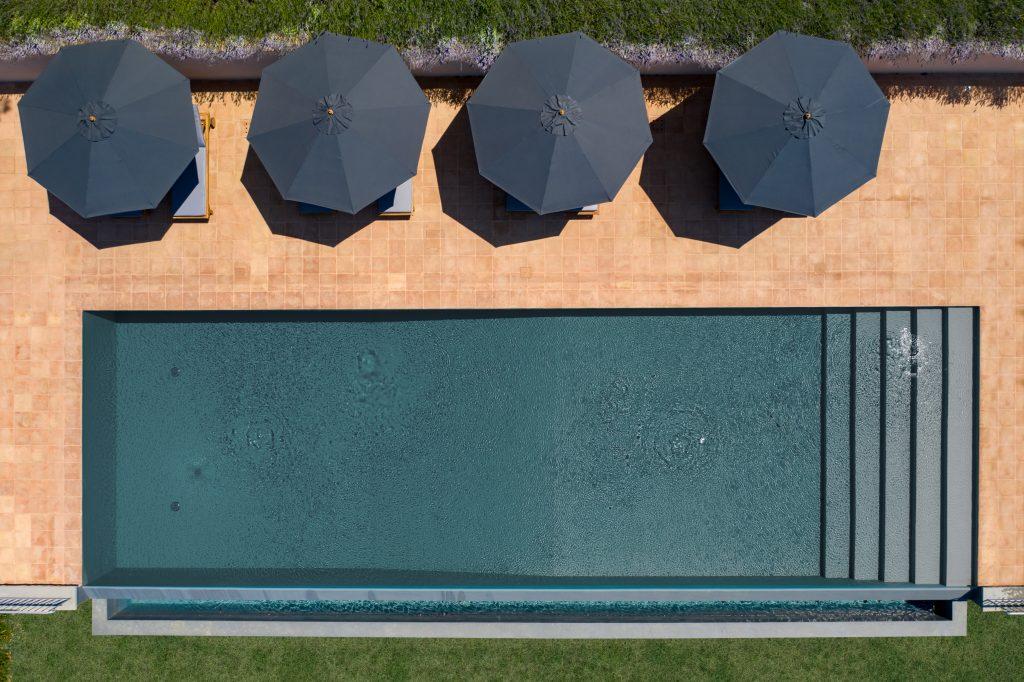 bird-eye-swimming-pool-162237024360b367c38f859-jpg