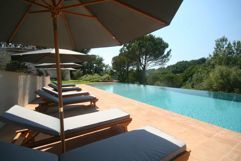 swimming-pool-exterior-162237028360b367eb135dd-jpg