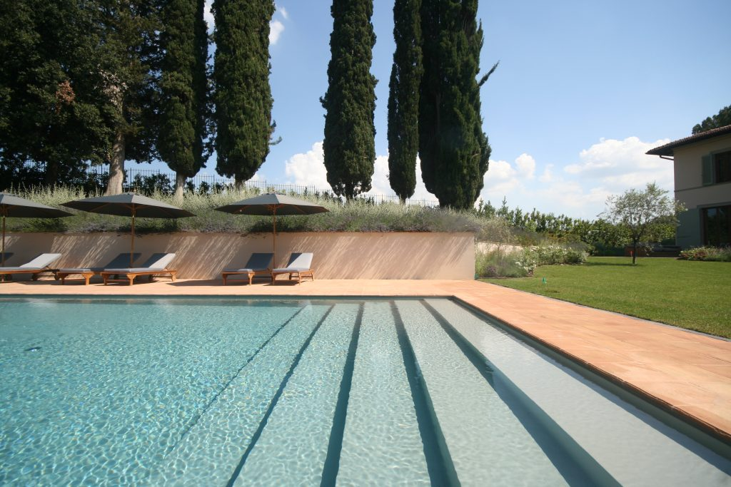 swimming-pool-2162237030360b367ff9beac-jpg