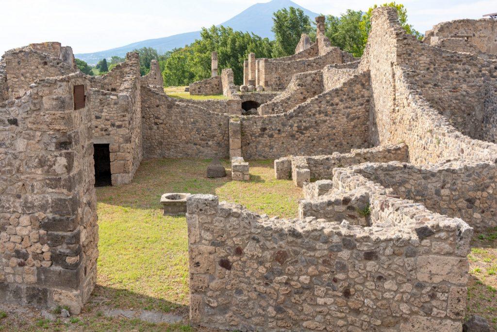 pompeii-things-to-do162237148460b36c9c917fe-jpg