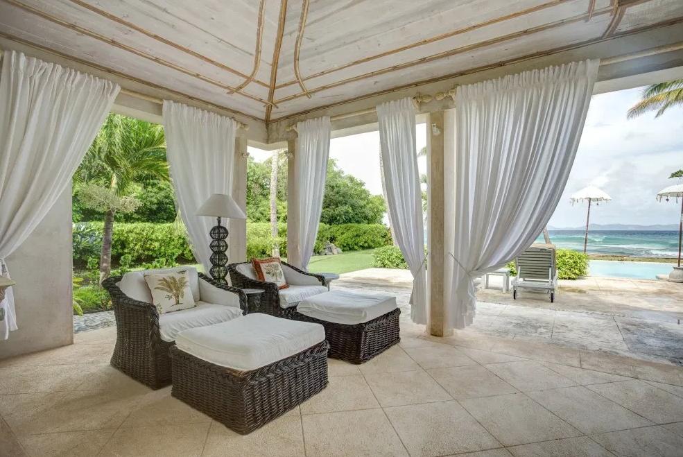 sea-star-luxury-beach-house-exterior-5162239367560b3c34b4a9d6-png
