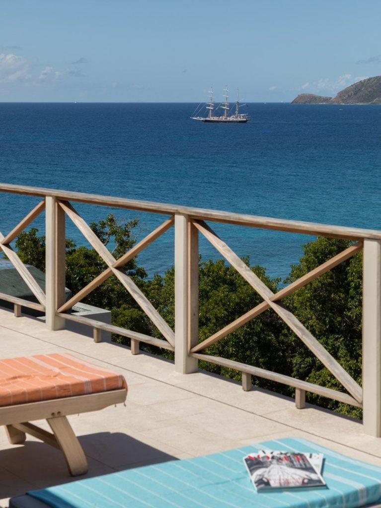 antuigua-beach-house-windward-landing-cover-4162239378560b3c3b925e4d-jpg