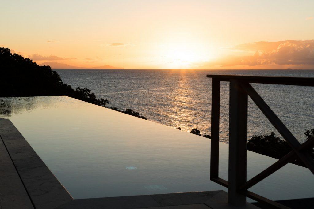 antuigua-beach-house-windward-landing-cover-6162239378960b3c3bd10d3d-jpg