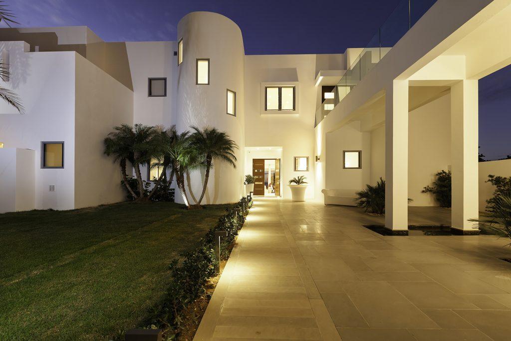 luxury-beach-house-anguilla-main-exterior-3162239390660b3c4329b76e-jpg