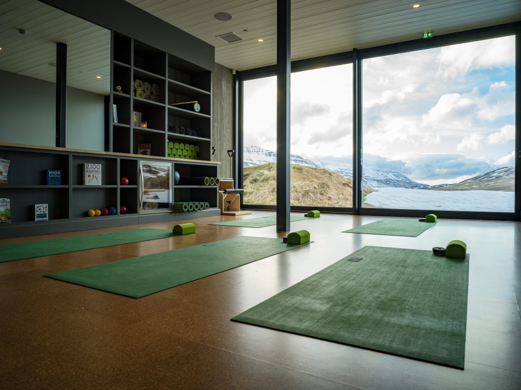 avenue-deplar-farm-interior-yoga162239390960b3c435e5f33-jpg