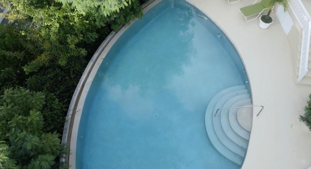 swimming-pool-3162244675860b492a683602-png