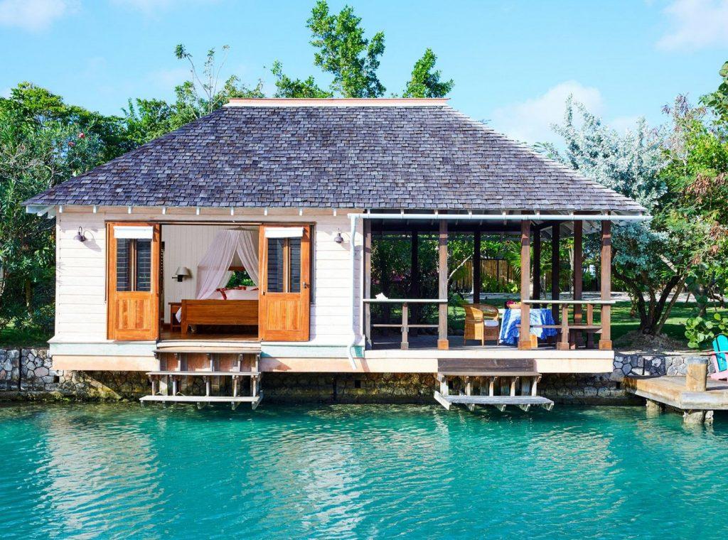 11-lagoon-cottages-1600x1188162244713260b4941c7e2de-jpg