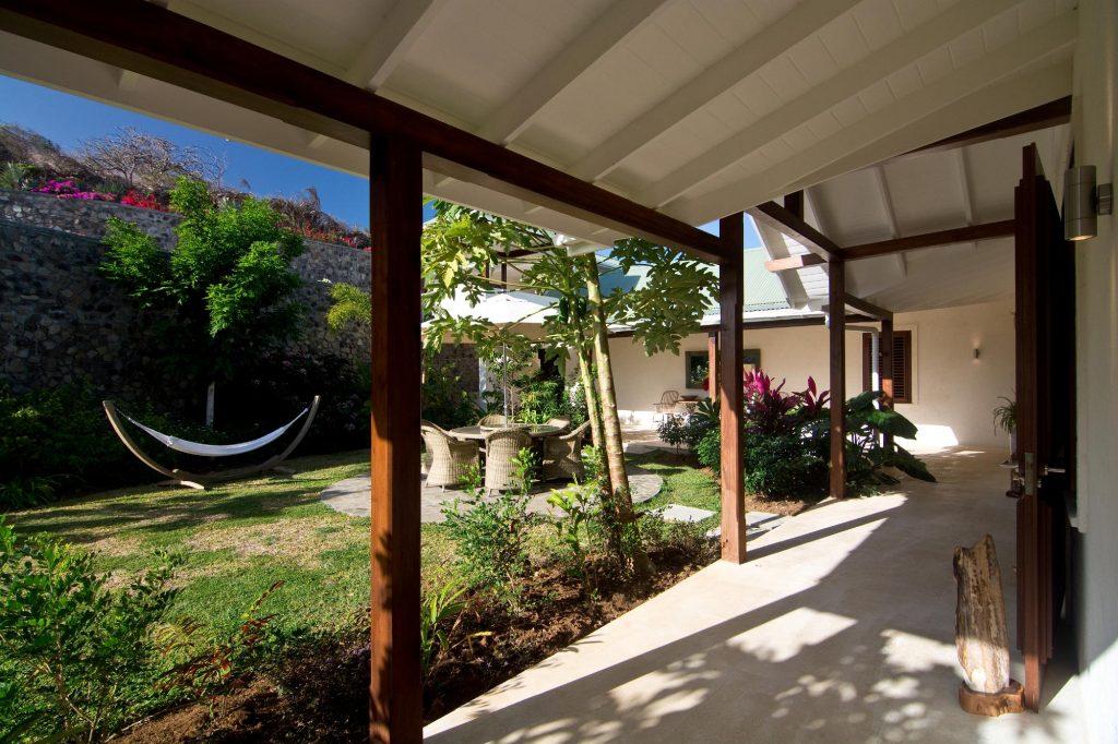 avenue-moringa-exterior-reel-3162244726060b4949cb3066-jpg
