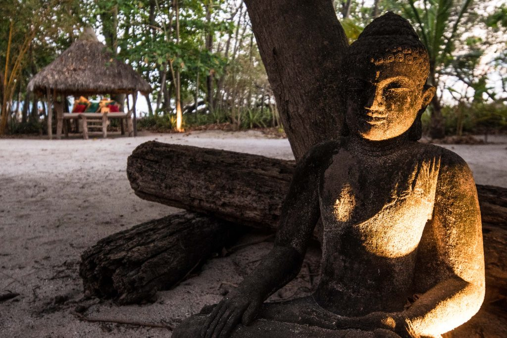 avenue-casa-dewa-sculpture-162244761360b495fdee9ad-jpg