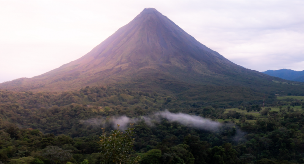 arenal-volcano162244784060b496e081794-png