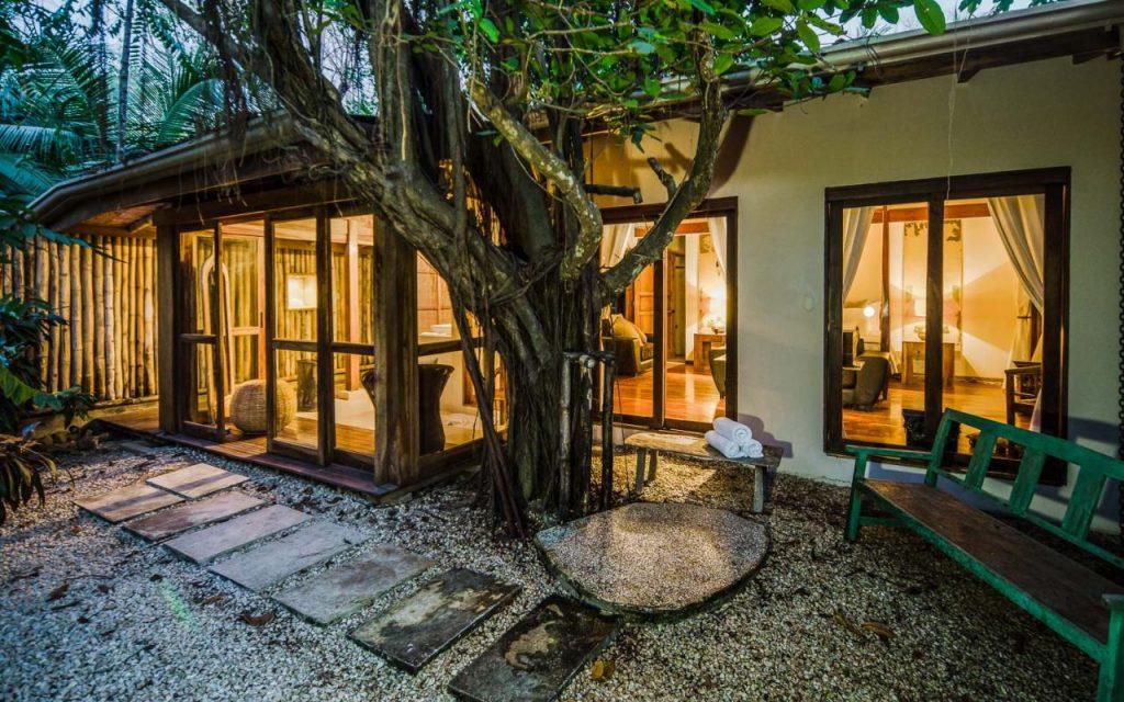 casa-capitan-outdoor-162244785060b496eabb65b-jpg