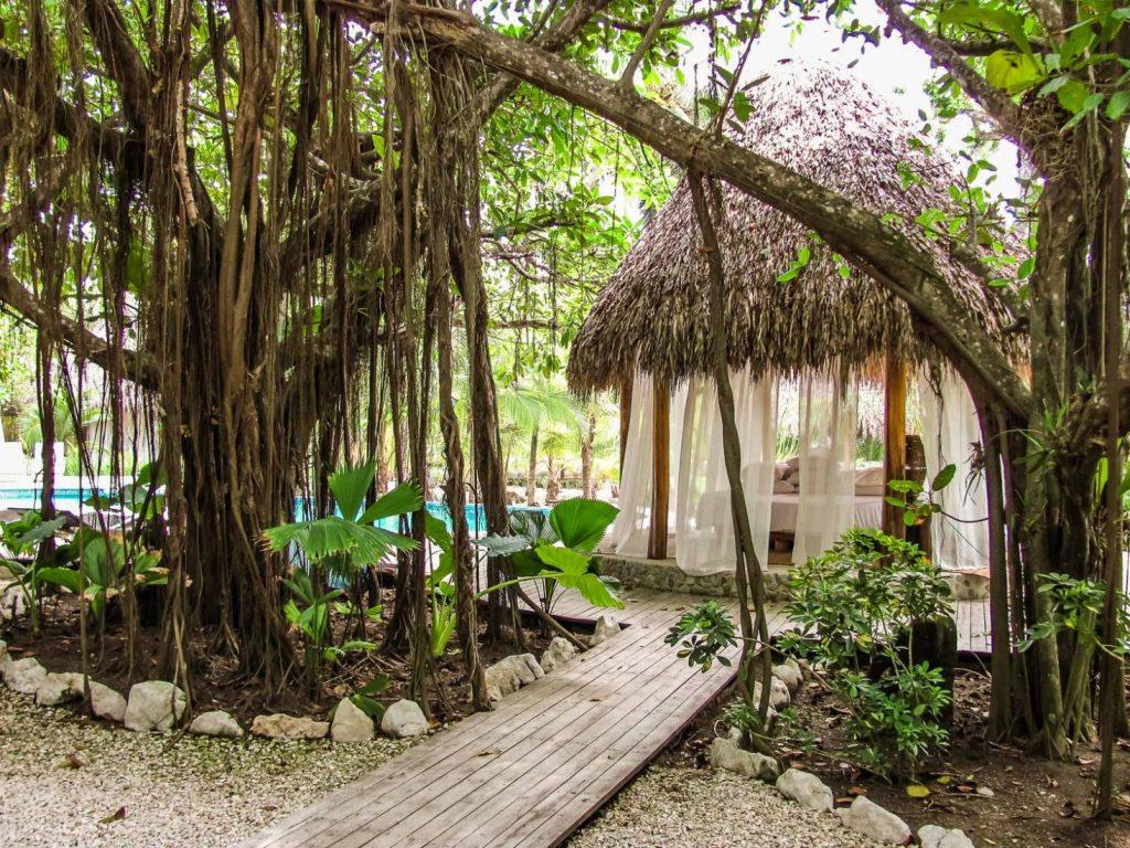 luxury-villa-costa-rica-outside-seating-area-1162244785260b496ec8e0a6-jpg