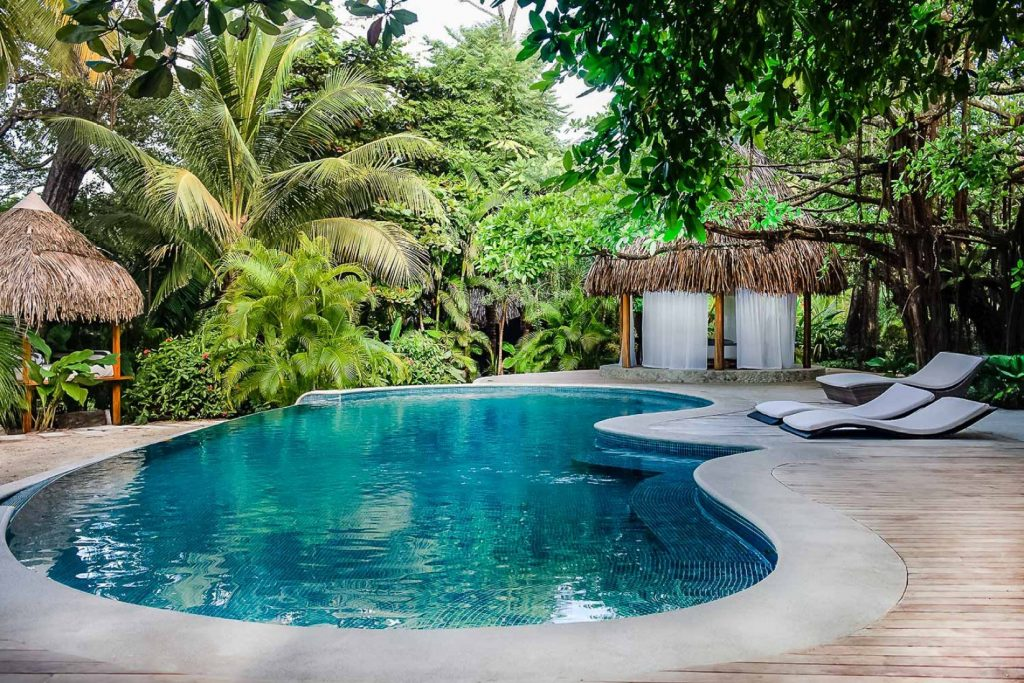 luxury-villa-costa-rica-pool-1-162244785560b496ef67358-jpg