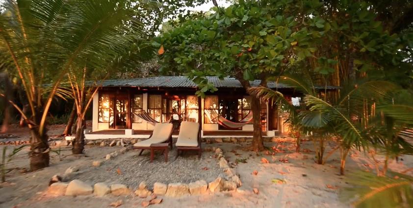 flora-blanca-luxury-costa-rican-beach-resort-surfhouse-main-exterior-162244912260b49be255b93-png