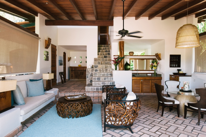 villa-interior-two-story-florblanca162244913260b49bec6673c-jpg