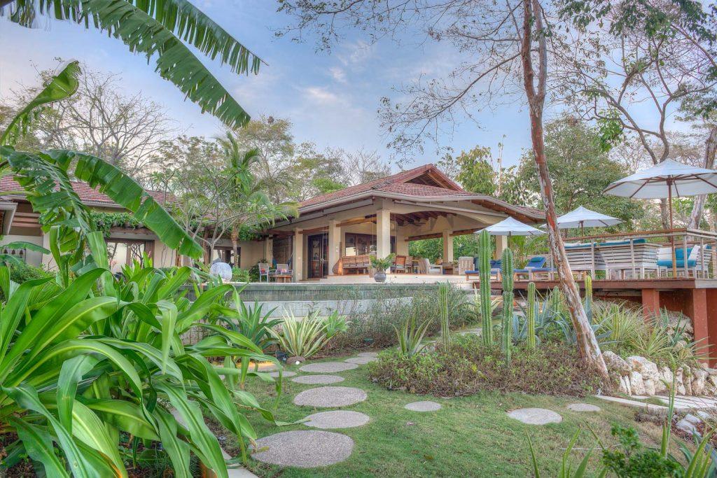 luxury-villa-costa-rica-exterior-1162244922260b49c469992f-jpg