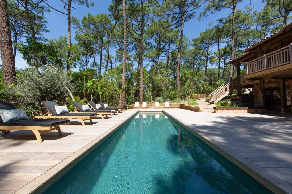 beautiful-modern-house-in-sw-france-open-plan-balcony-with-double-bedrooms-and-swimming-pool-pool-1162245053460b4a166ba50e-jpg