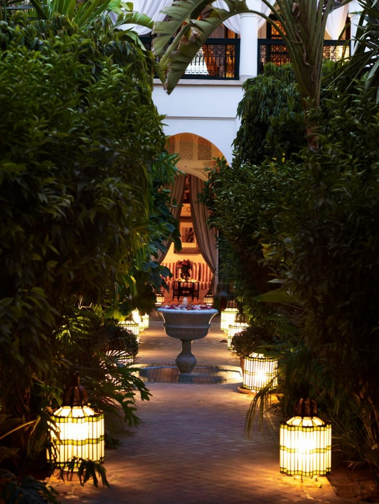 pergola-garden-pool-honey-dew-latern-gardens-exterior-1162245271560b4a9eb1fd4d-jpg