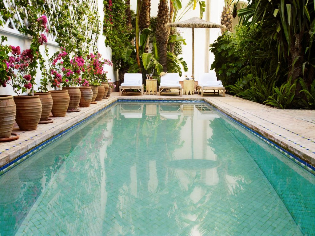 pergola-garden-pool-honey-dew-laternpool-1162245271760b4a9ed12c43-jpg