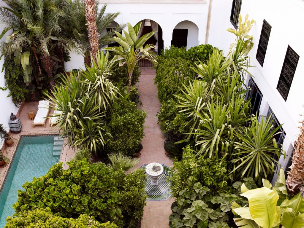 pergola-garden-pool-honey-dew-latern-exterior-6162245272060b4a9f0e537c-jpg