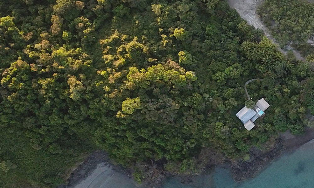 panama-private-ecological-island-crisp-linen-sheets-romantic-getway-birds-eye-view-island162245332060b4ac483a548-jpg