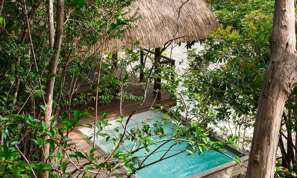 panama-private-ecological-island-crisp-linen-sheets-romantic-getway-pool-view162245332760b4ac4f8aabb-jpg