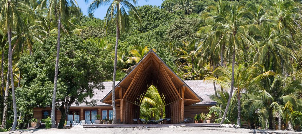 panama-private-ecological-island-crisp-linen-sheets-romantic-getway-main-island-shot162245333060b4ac52aa55f-jpg