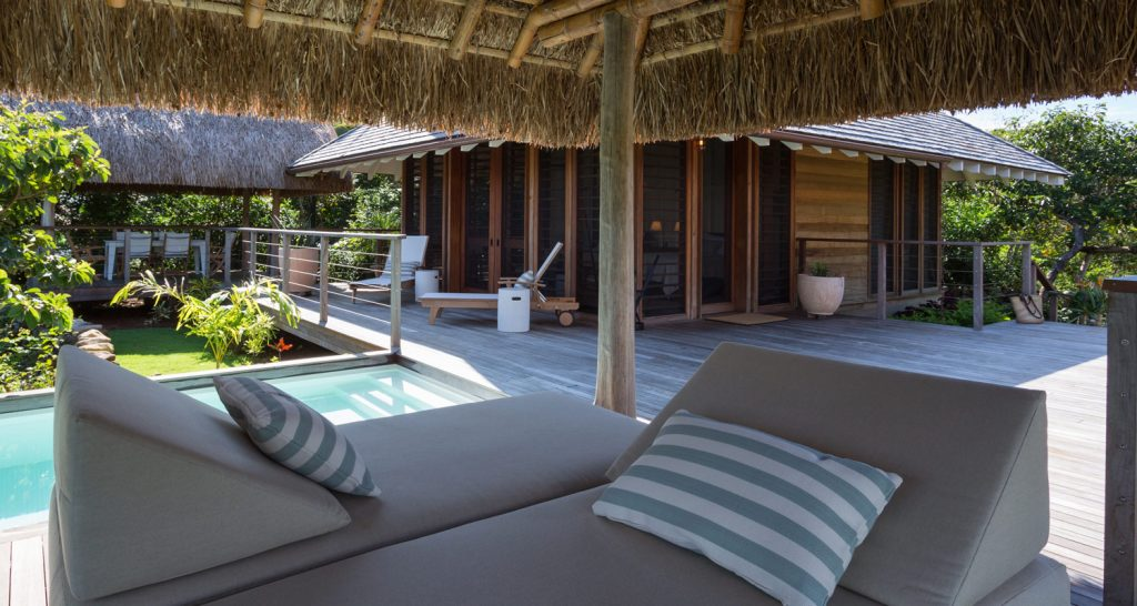 panama-private-ecological-island-crisp-linen-sheets-romantic-getway-sunlounger162245333960b4ac5b51c72-jpg
