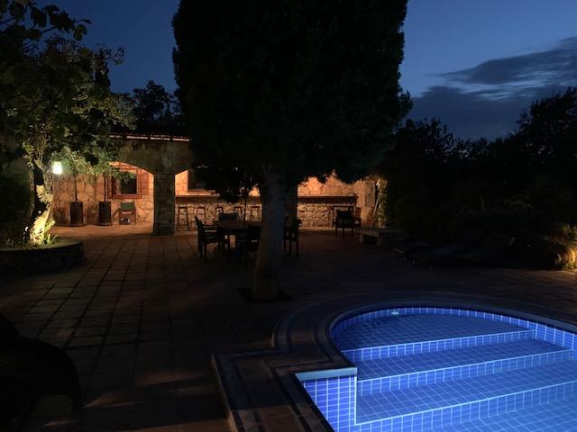 luxury-villa-swimming-pool-1162245451660b4b0f448d32-jpg