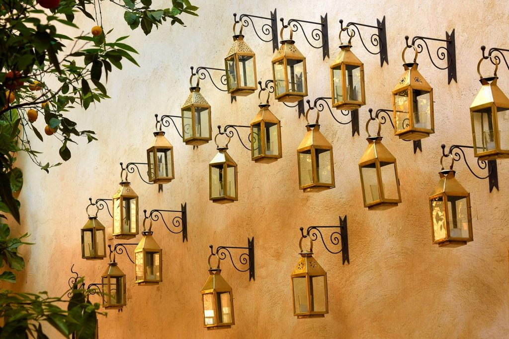 boutique-hotel-moroccan-latern-cover-162245467460b4b19284390-jpg