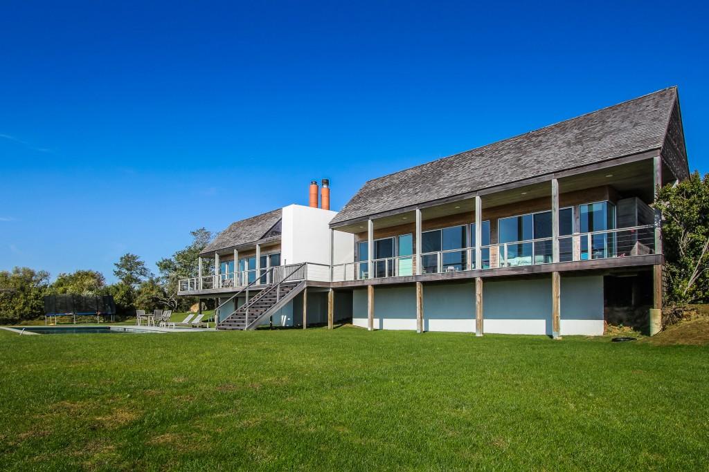 luxury-house-montauk-main-exterior162245622060b4b79cc059f-jpg
